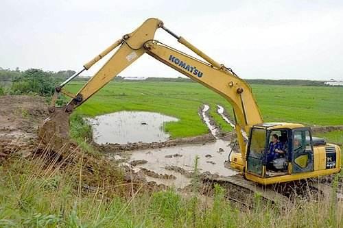 大挖机农田改造